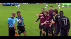 Aksi demonstrasi pemain Milan meski tak berujung anarki. (Dailymotion)