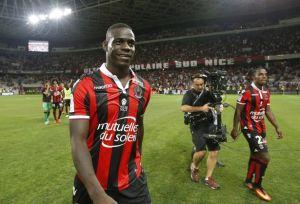 Balotelli girang bisa tampil bagus di Nice. Credit by Mirror.co.uk